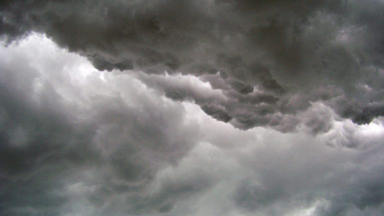 Stormvarning på söndag den 9 februari